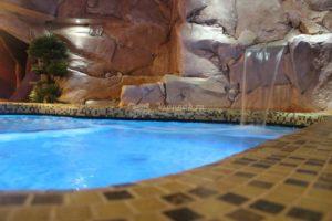 СПА с бассейном, хамамом и соляной пещерой